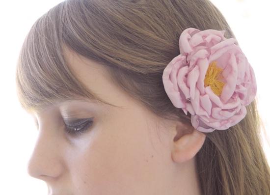 Как сделать цветок пиона из ткани своими руками