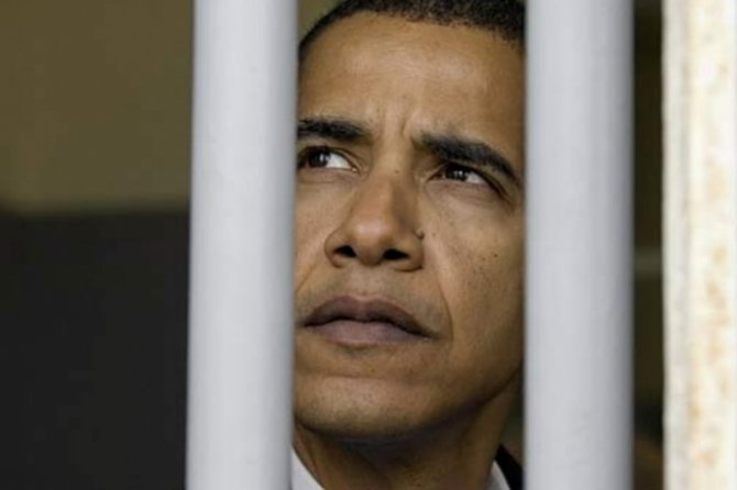 Обаму — «на нары!»: американцы требуют наказать экс-президента