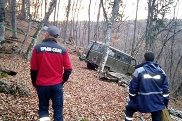 В горах Крыма опрокинулся УА…