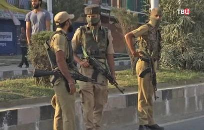 Террористы атаковали военную часть на севере Индии