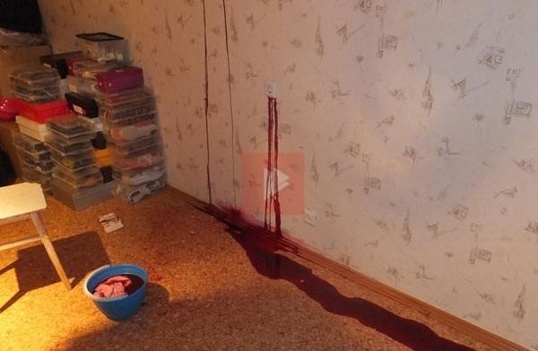 У жительницы Воронежа из стены потекла похожая на кровь жидкость