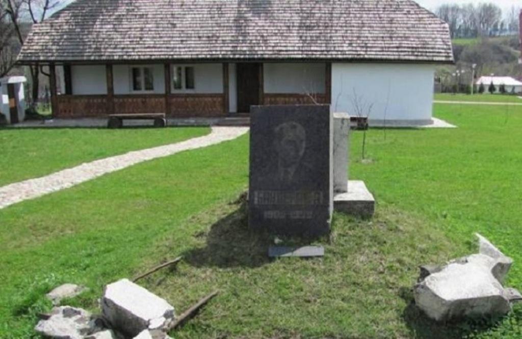 На Прикарпатье неудачно пытались взорвать дом Бандеры