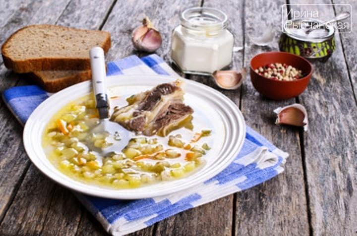 Рассольник с перловкой и солеными огурцами — рецепт приготовления с вариациями
