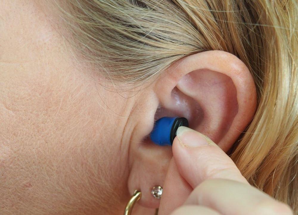 Проблема со слухом укажет на старческое слабоумие