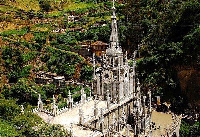 Собор Лас-Лахас - место паломничества. | Фото: 1trek.com.