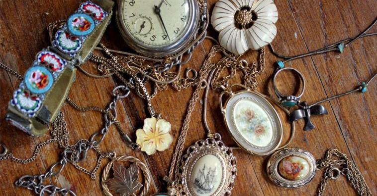 10 стильных идей сохранения старой бижутерии