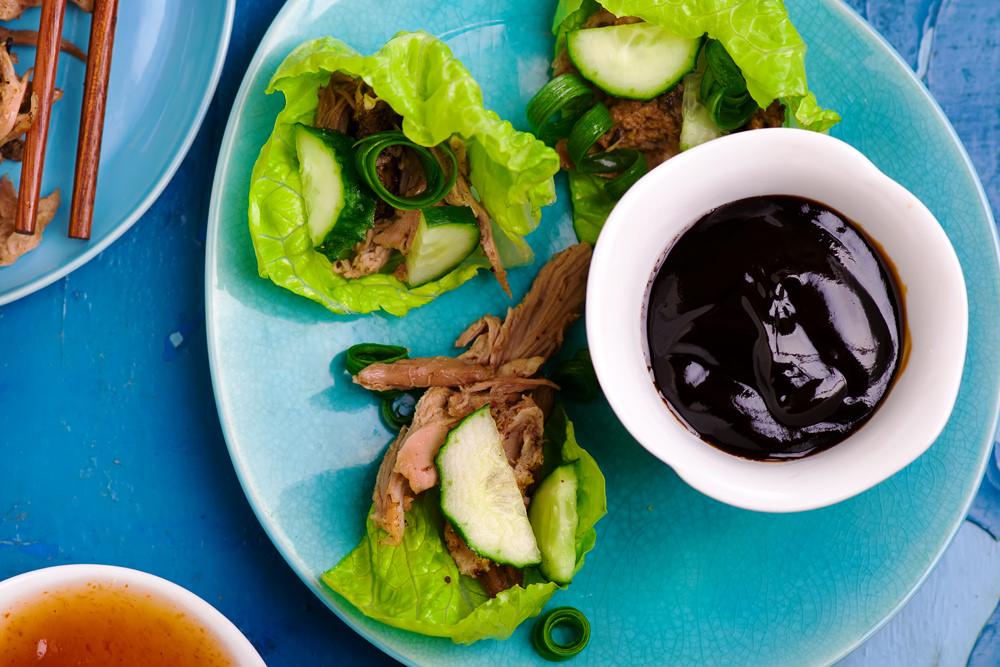 Утка в пекинском стиле и китайский сливовый соус
