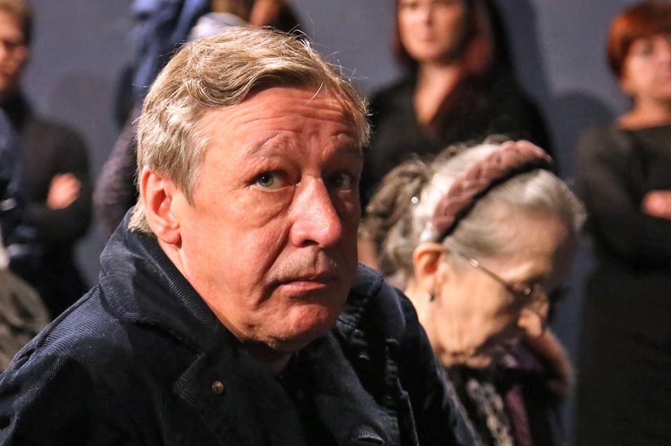 Михаил Ефремов не выплатил компенсацию гражданской жене Захарова