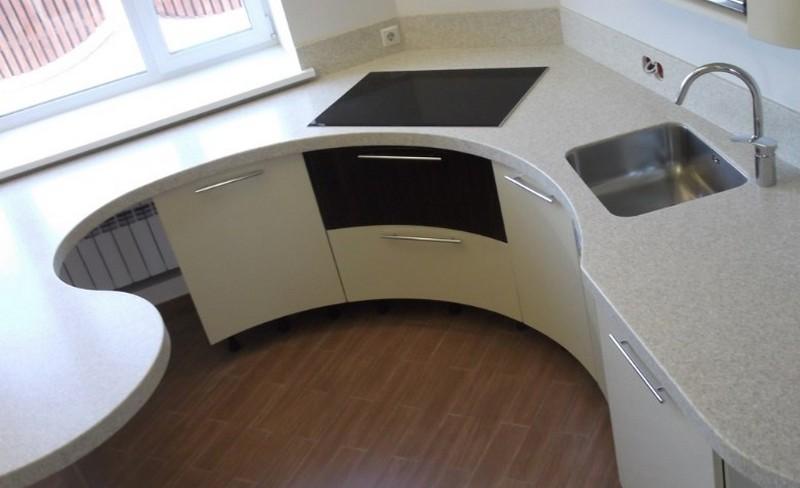 столешница вместо подоконника на маленькой кухне фото