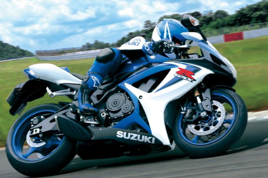 """Suzuki GSX-R600 (k6, k7) - самый легкий и мощный байк в классе """"Спорт"""", не привыкший отдавать первое место на подиуме своим конкурентам."""