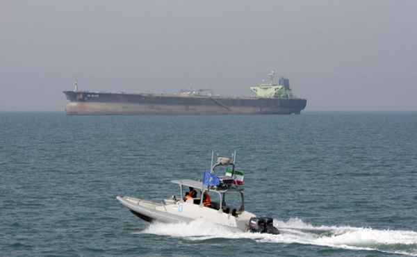 Иран объявил Америке танкерную войну