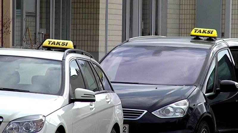 Новогодние истории из жизни таксиста