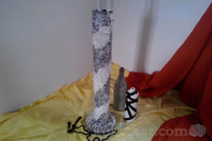 Черно-белая напольная ваза