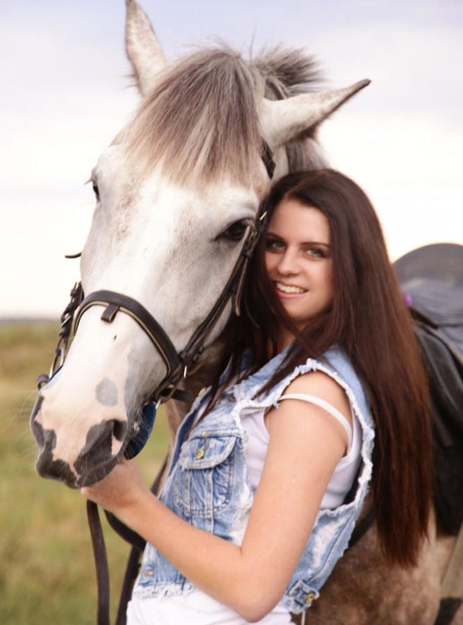 Надежда Гуськова хочет увезти коня из Америки!
