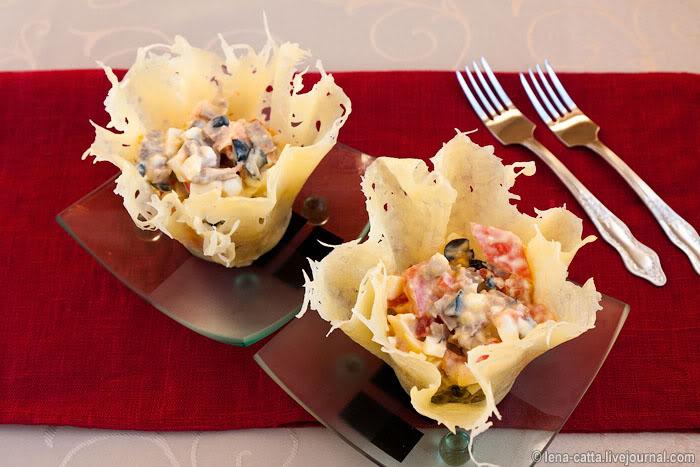 Салат в сырной корзинке фото