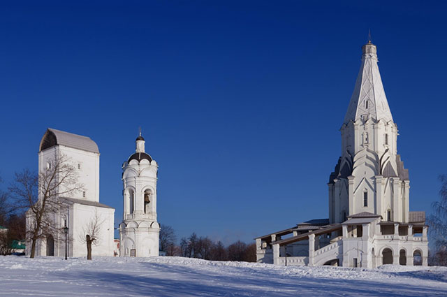 Неразгаданные тайны, которые хранят пять необычных храмов Москвы