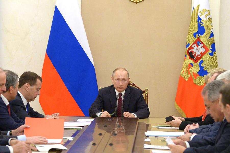 Почему Путин не хочет делать акцент на внешней политике?