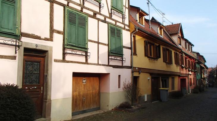 Из Страсбурга на местной электричке я приехала в город Барр
