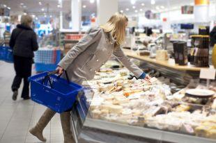 Колбаса, сыр и мюсли. Какие продукты могут оказаться с пометкой «вредный»?