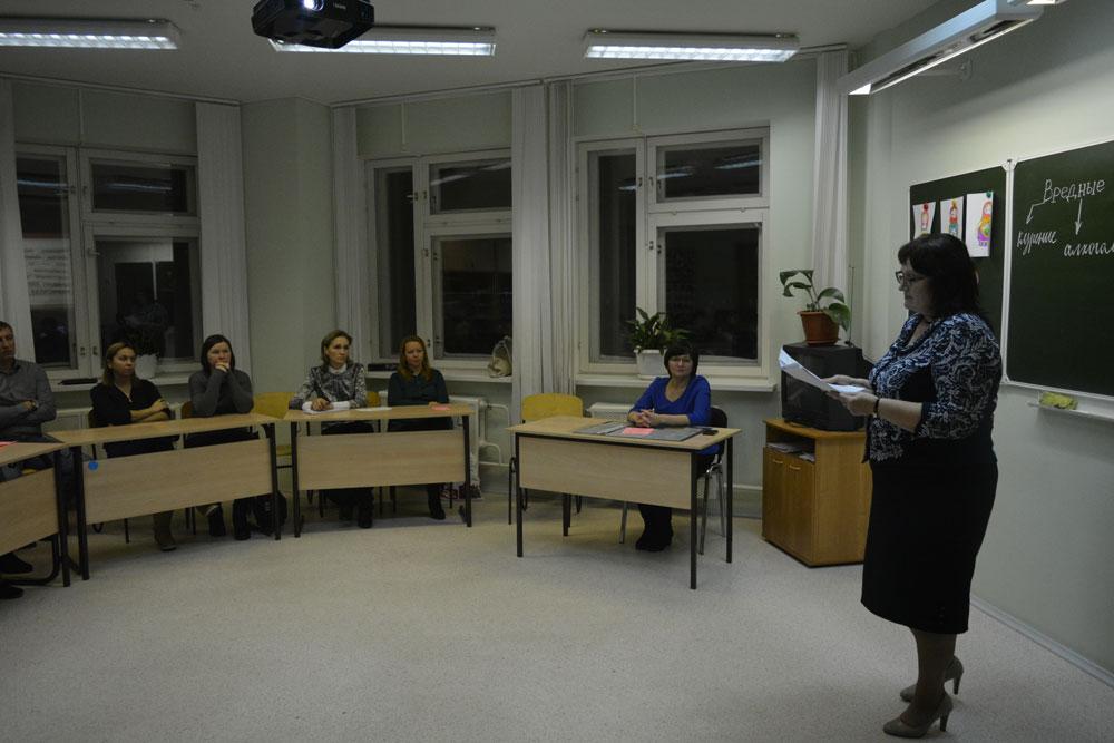 Пусть будут круглые....: Голодец предложила уйти от прямоугольности классов в российских школах