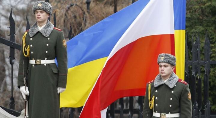 Выгодная дружба: Польша защитит Украину от «российской агрессии» в обмен на электроэнергию