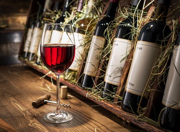Как профессионально оценить вино на глаз