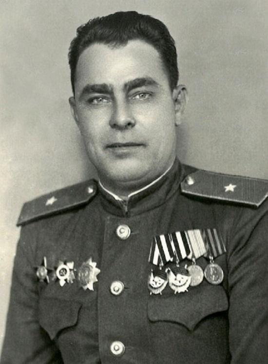 СОЛДАТ ПОБЕДЫ - ЛЕОНИД БРЕЖНЕВ