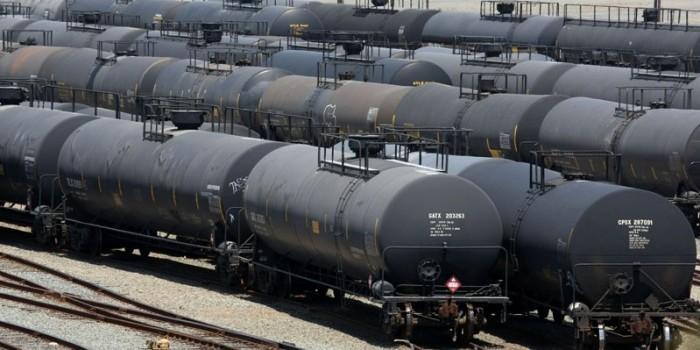 Путин поручил пересмотреть условия поставки нефти в Белоруссию