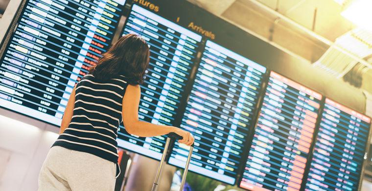 Названы авиакомпании, которые чаще других срывают рейсы