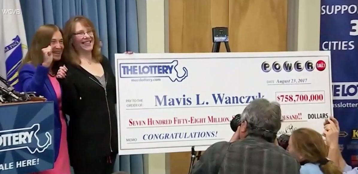 Сбылась голубая мечта: американка выиграла в лотерею 758 миллионов долларов и тут же уволилась