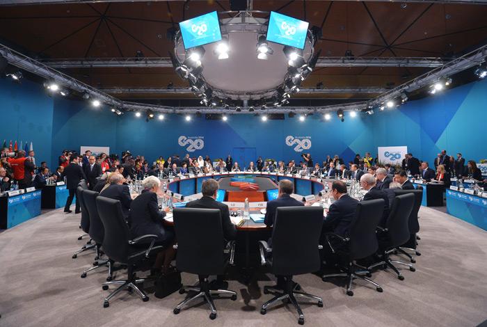 Путину предложена реставрация унижений