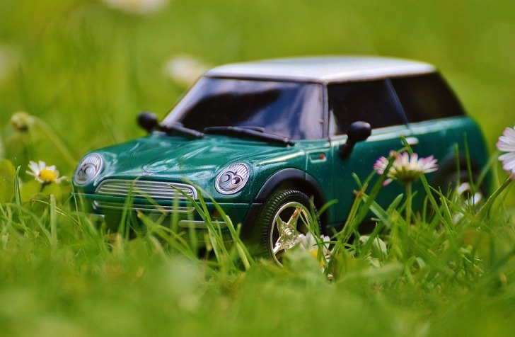 Случай про необычный ремонт автомобиля… Опытного автомобилиста таким не проведешь)