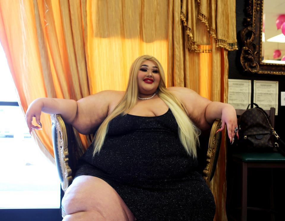 Она открыла салон красоты для больших и толстых… после того, как раздавила стул в парикмахерской