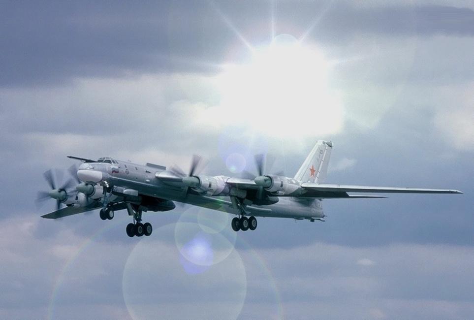 Посадка Ту-95 на американский авианосец(быль) (с).