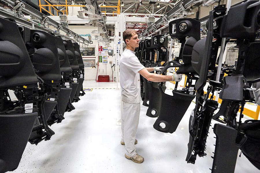 Ввоз готовых автодеталей оказался выгоднее их выпуска в России