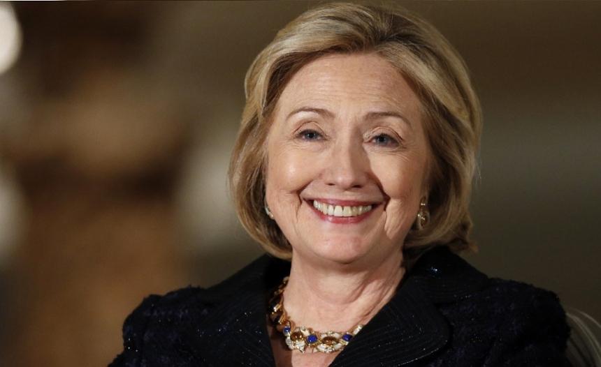 Новый ceкс-скандал перед выборами США: СМИ поймали Клинтон за лейcбискими играми