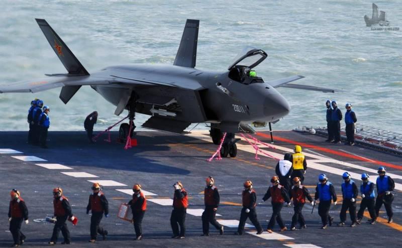 Палубный J-20: дальний перехватчик и «убийца морской ПВО». Новый сюрприз для американцев от «Chengdu»