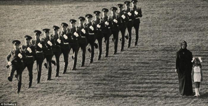Снимок под названием «Silence» оценён в 1500-2000 фунтов стерлингов.