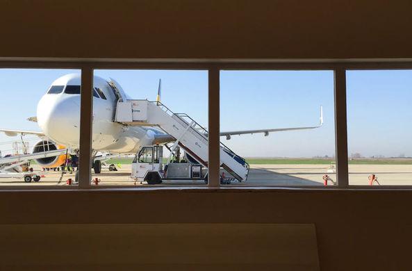 Авиакомпания предлагает год бесплатных полетов тем, кто удалит Инстаграм