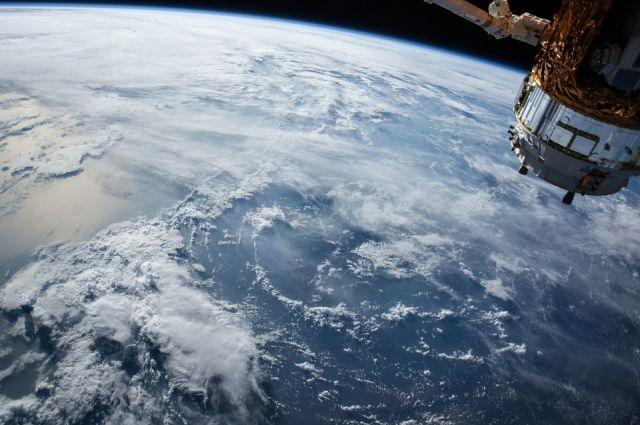 «Союз МС-05» с тремя членами экипажа МКС направился к Земле