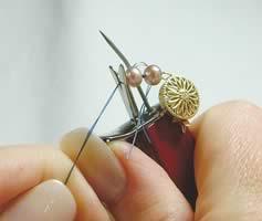 Завязывание узла при помощи кноттера