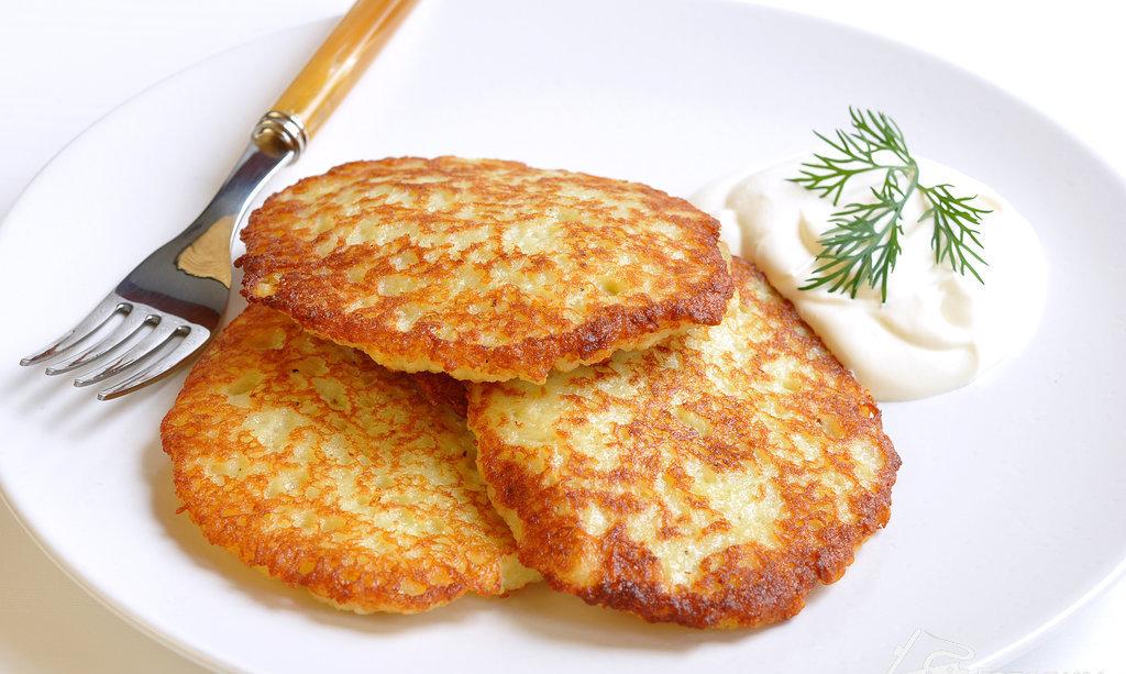 Классические драники картофельные с чесноком: рецепт и секреты приготовления