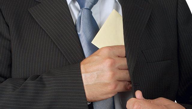 ВЦИОМ выяснил, какое наказание россияне считают адекватным за дачу взятки