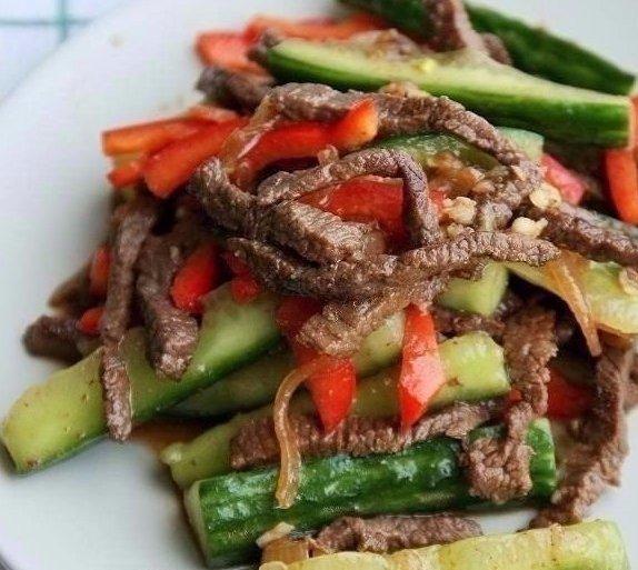 Вкуснейшая закусочка — огурцы с мясом по-китайски!