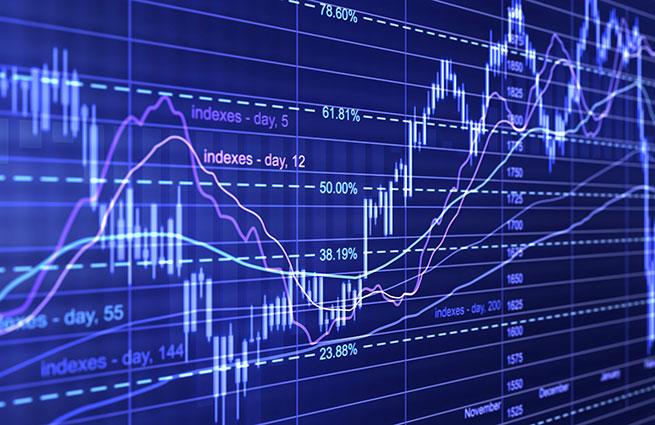 Рубль резко укрепился по отношению к доллару и евро