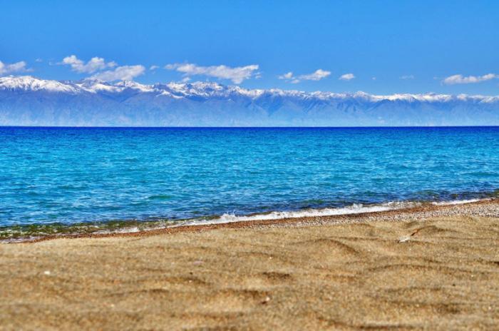 Иссык-Куль — самое большое и красивое озеро Киргизии (15 фото)