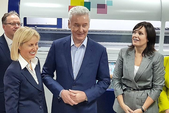 """Собянин открыл фабрику цветной цифровой печати на ткани в технопарке """"Калибр"""""""