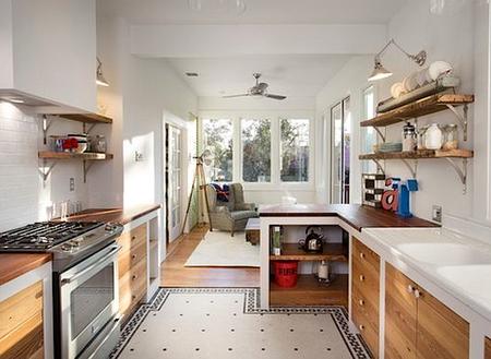 Открытые полки как украшение дома: 10 идей фото 8