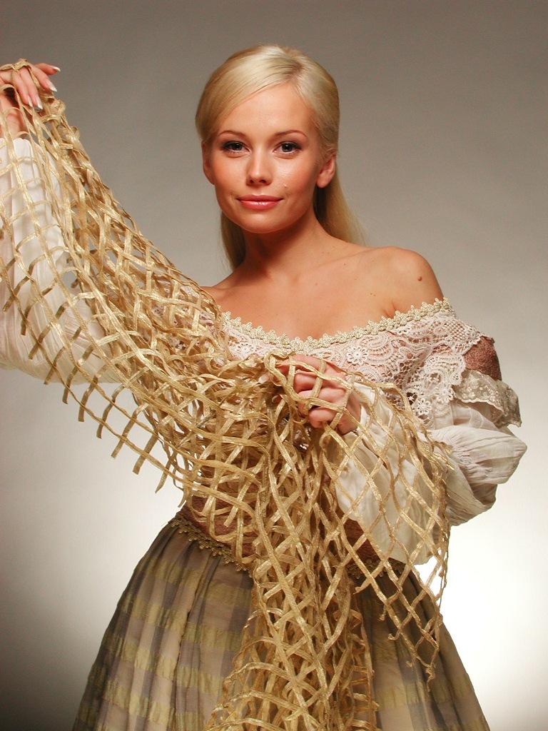 Куда пропала актриса Елена Корикова, и как она выглядит сегодня?