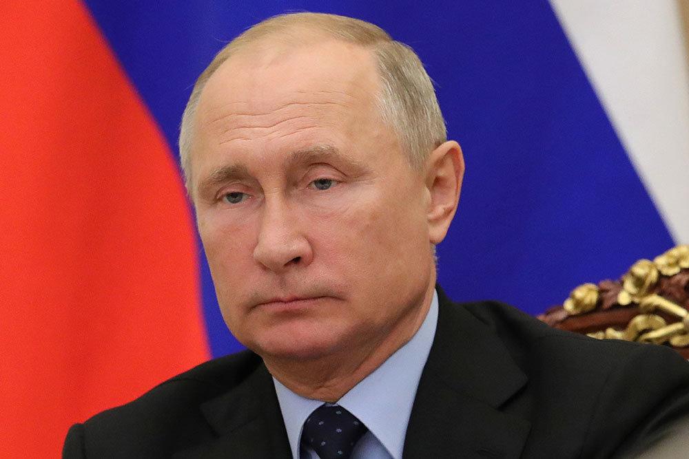 Путин заявил о важности поддержки материнства